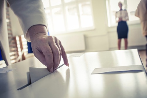 Louisiana re-elects incumbent insurance commissioner
